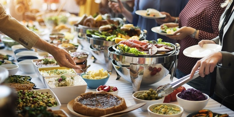 Tiệc buffet ngày càng được nhiều người lựa chọn khi tổ chức sự kiện
