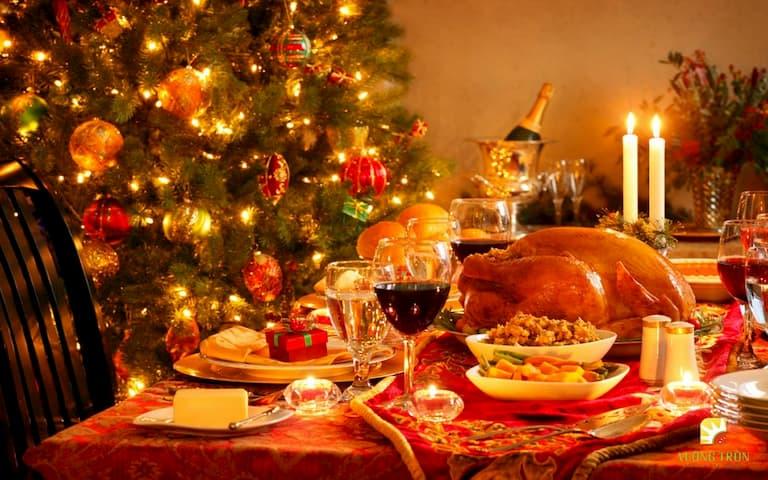 Những điều cần biết để tổ chức buổi tiệc giáng sinh vui vẻ và ý nghĩa nhất
