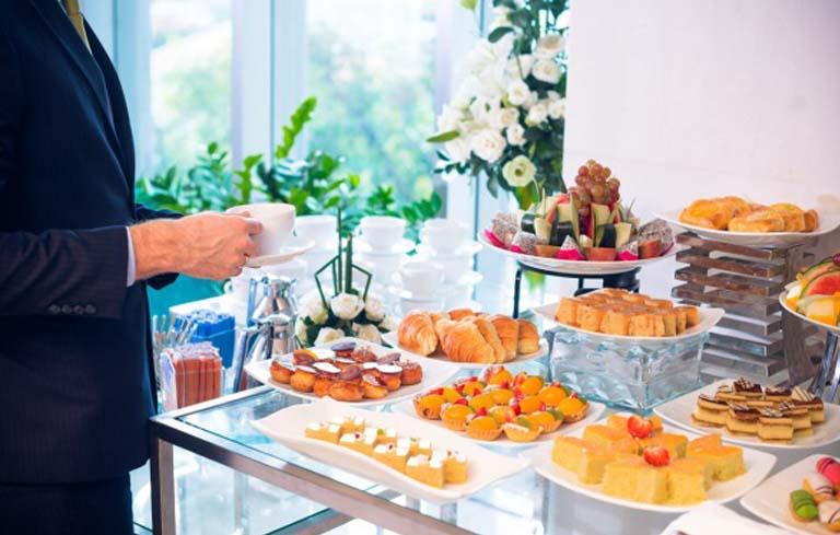 Lên danh sách khách mời cho bữa tiệc ngọt
