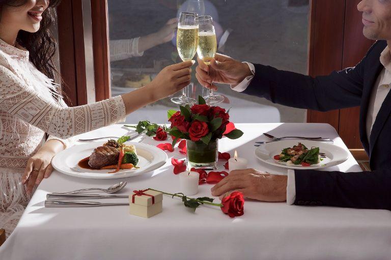 Lên thực đơn phù hợp giúp bạn có một lễ tình nhân ngọt ngào và trọn vẹn