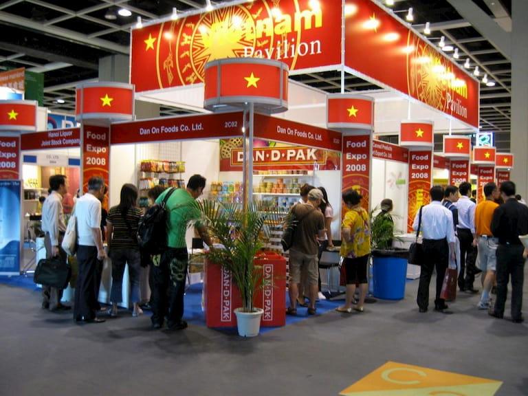 Tổ chức hội chợ triển lãm cũng là một cách tốt giúp quảng bá sản phẩm