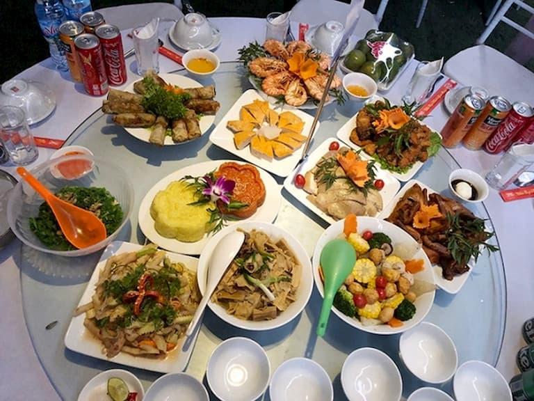 Thực đơn các món ăn trong tiệc cưới ở quê