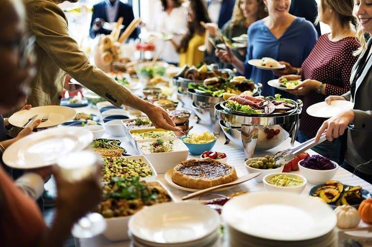 Tiệc buffet chay ngày càng phổ biến và được nhiều người lựa chọn