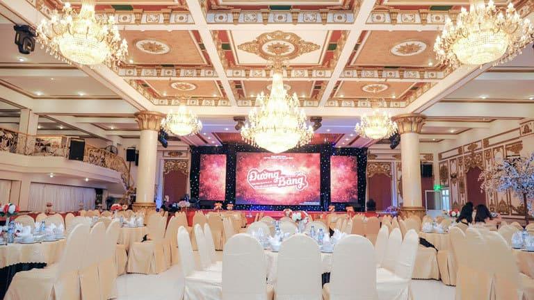Không gian tổ chức tiệc tại nhà hàng King Place Thanh Hóa sang trọng