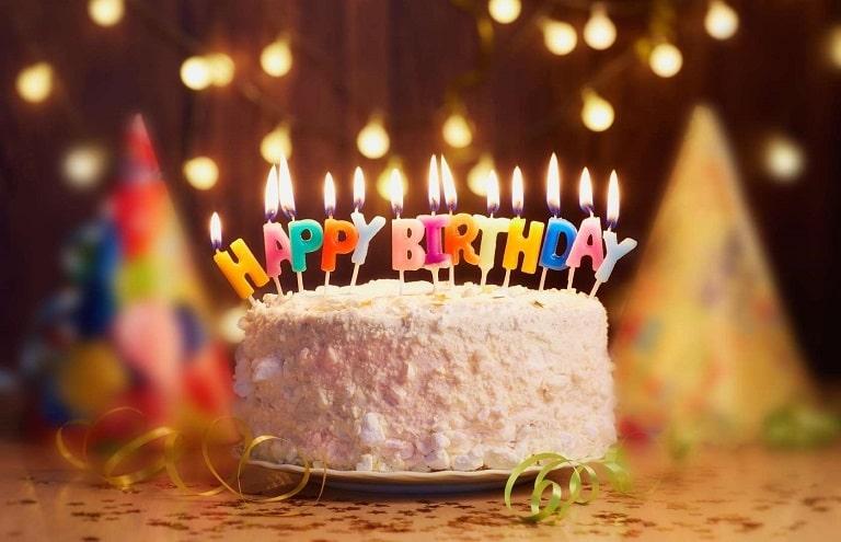 Bánh sinh nhật cho phù hợp đối tượng sinh nhật