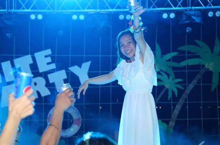 Một đêm nhạc hội cuồng nhiệt sẽ mang đến sự mới mẻ cho bữa tiệc cuối năm của công ty