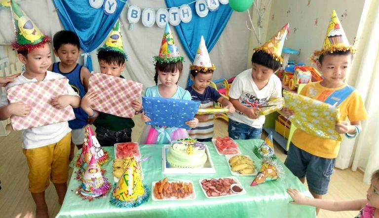 Tổ chức sinh nhật cho bé là lựa chọn tiết kiệm và gọn nhẹ