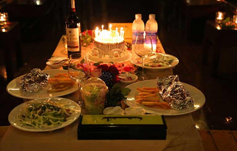 Tổ chức sinh nhật tại nhà hàng là lựa chọn của nhiều người