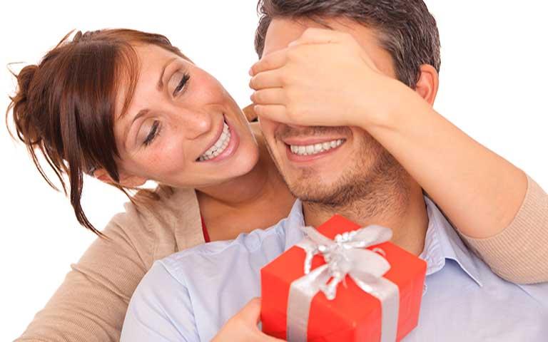 Hãy lựa chọn món quà sinh nhật đúng với sở thích của chồng