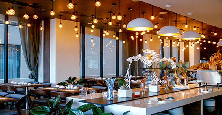Nhà hàng là không gian tổ chức tiệc được nhiều người lựa chọn