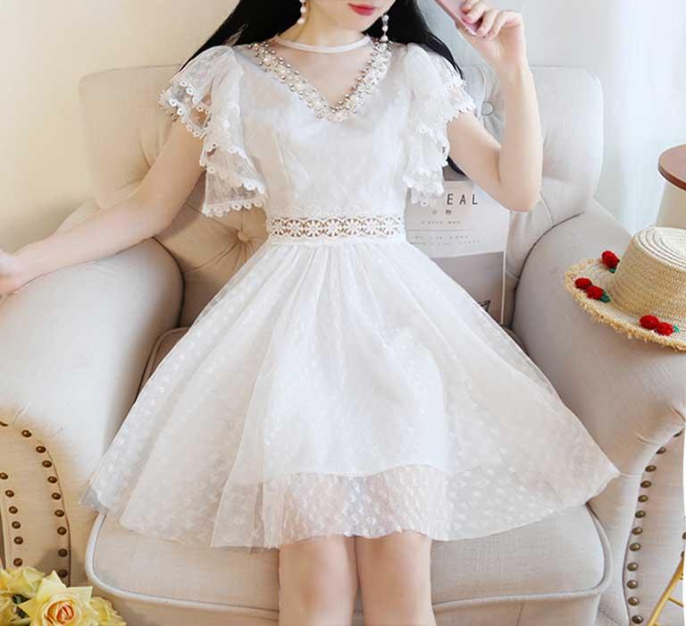 Váy xòe công chúa khiến bạn trông đáng yêu hơn