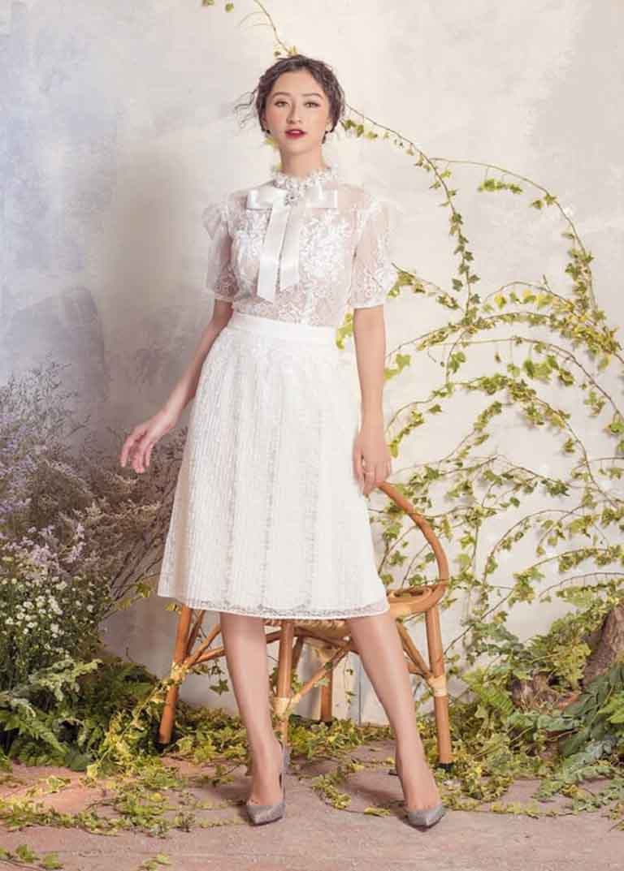 Váy ren tạo sự sang trọng